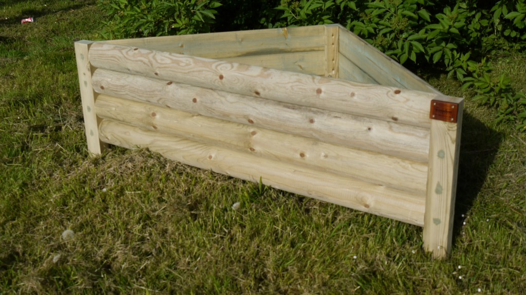 Triangular Garden Planter The Wooden Workshop Oakford