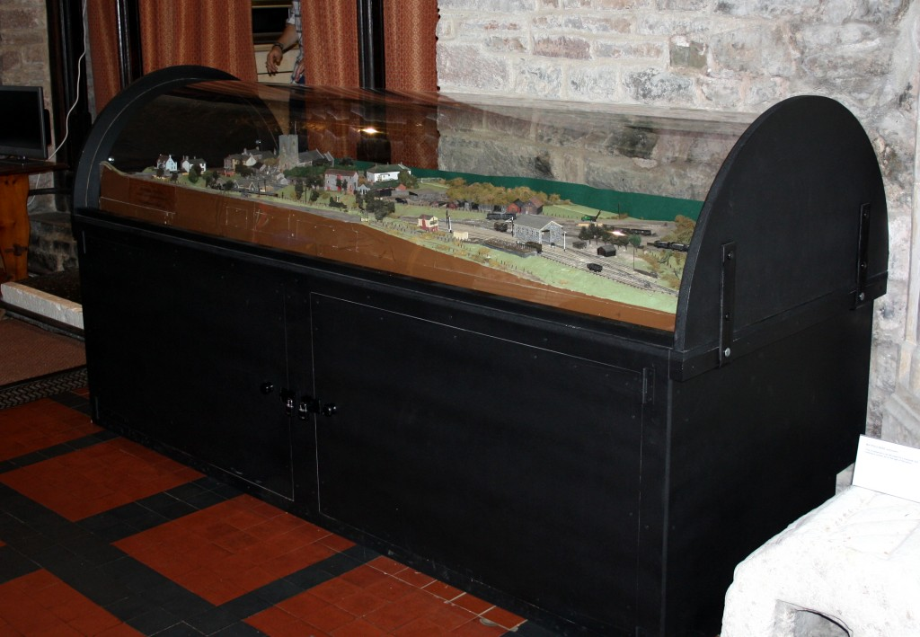 Train Cabinet Display Unit
