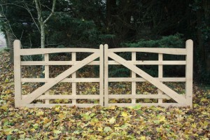 Oak gates - The Wooden Workshop - Bampton - Devon