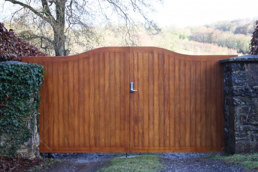 Idigbo Hardwood Gates - The Wooden Workshop Bampton Devon