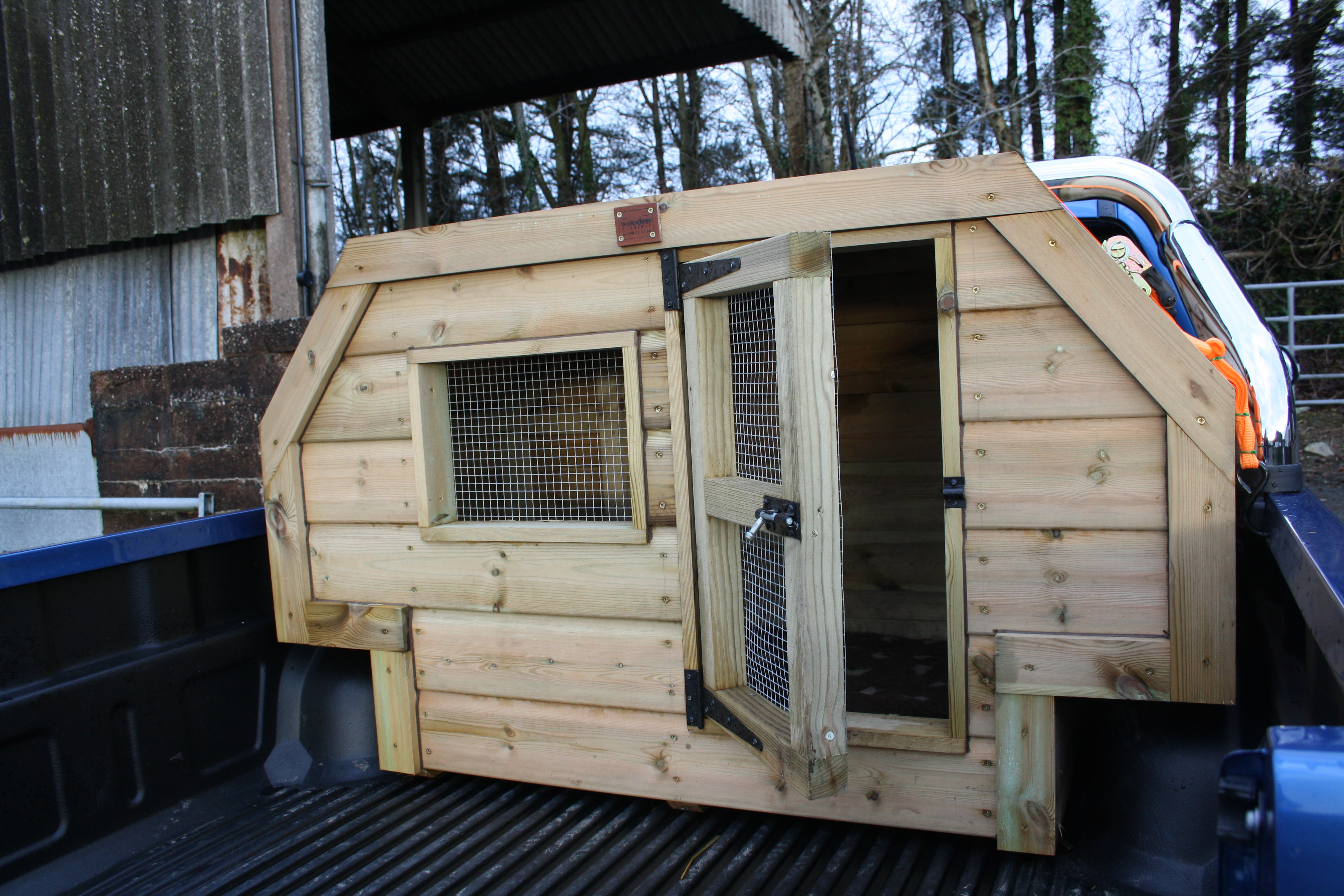 Fitted Wheel Arch Dog Box The Wooden Workshop Oakford