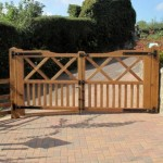 Oak driveway gates