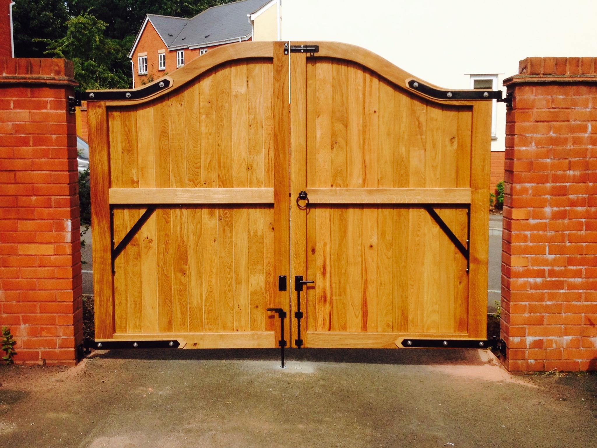 эскизы деревянных ворот фото район включает