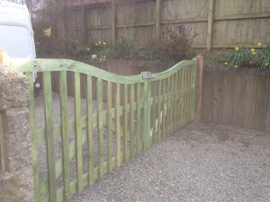 redwood curved braced gates