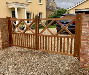 Bespoke Oak Gates - The Wooden Workshop Bampton Devon